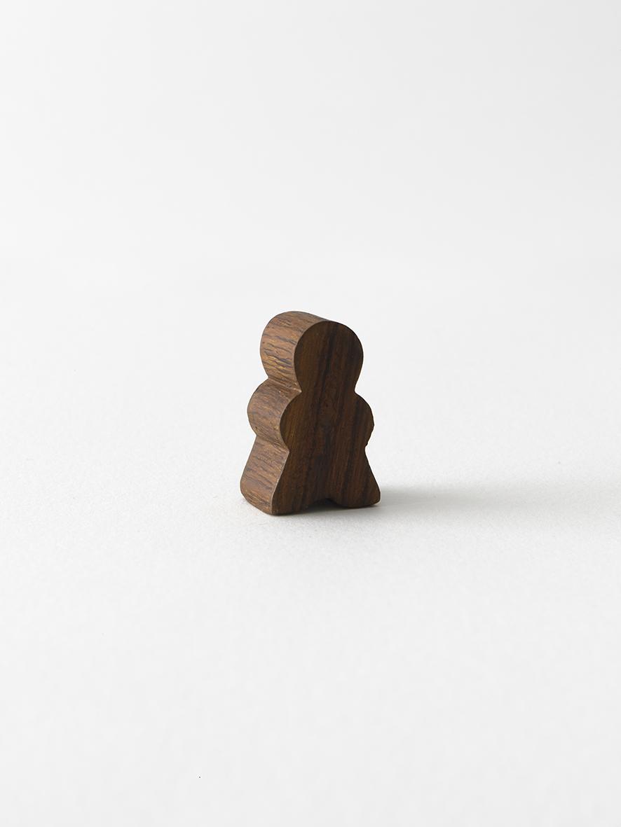Gregor Hildebrandt Peterle, 2019 Bronze, Acryl, 3,3 x 2 cm 1.500 €  Unique